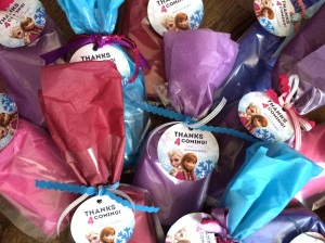 Gift bags for the Frozen birthday party