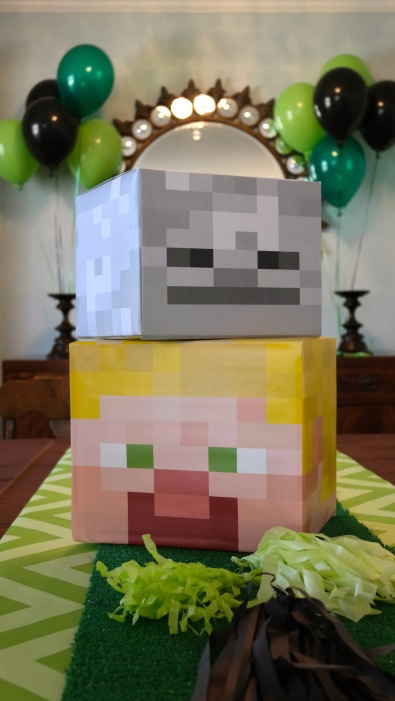 Minecraft party decoration